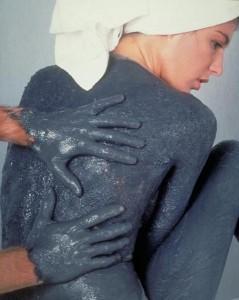 Лечебные грязи помогают бороться с усиленным потоотделением