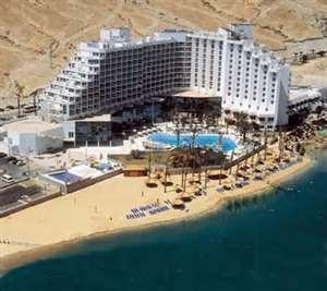 Мертвое море Израиля лечит повышенную потливость