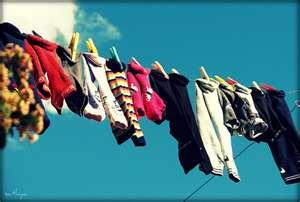 При гиперпотливости ног рекомендуется часто стирать носки