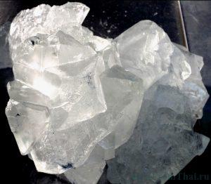 Кристалл алунита
