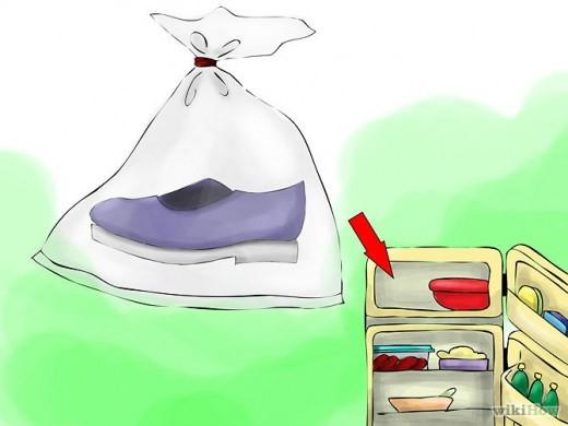 Способ избавления от запаха в обуви